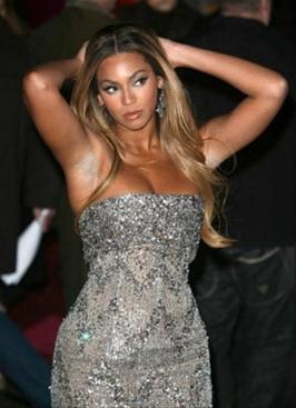 Beyonce posando